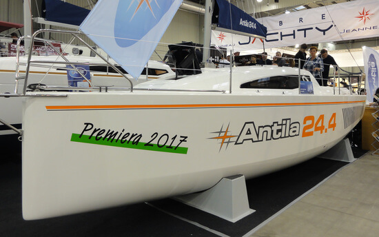 Jacht żaglowy Antila 24.4 to najmłodszy z rodziny jachtów Antila.